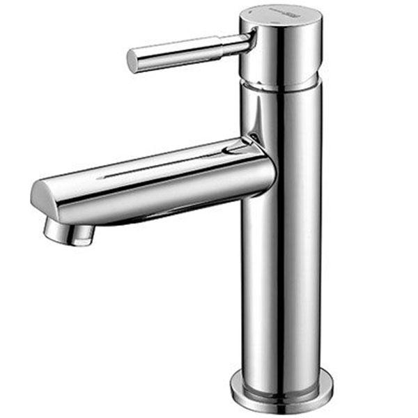 Main 4104 ХромСмесители<br>Смеситель для раковины Wasser Kraft Main 4104.<br>Однорычажный смеситель с фиксированным изливом и аэратором. Имеет долгий срок эксплуатации за счет качественных деталей, неприхотлив в уходе. Дополнит любую ванную комнату своей функциональностью и стильной формой конструкции.<br><br>Характеристики:<br>Длина излива: 10,2 см.<br>Изготовлен из высококачественной латуни с покрытием цвета хром, которое не теряет цвет со временем, устойчиво к царапинам и превосходно защищает от коррозии.<br>Керамический картридж 25 мм Sedal (Испания), что гарантирует долгий срок службы.<br>Встроенный пластиковый аэратор Neoperl Cascade (Германия) для равномерного распределения струи с ограничением потока воды 5 л/мин.<br>Гибкая подводка G 1/2 Sedal (Испания).<br><br>В комплекте поставки: смеситель, монтажный набор.<br>