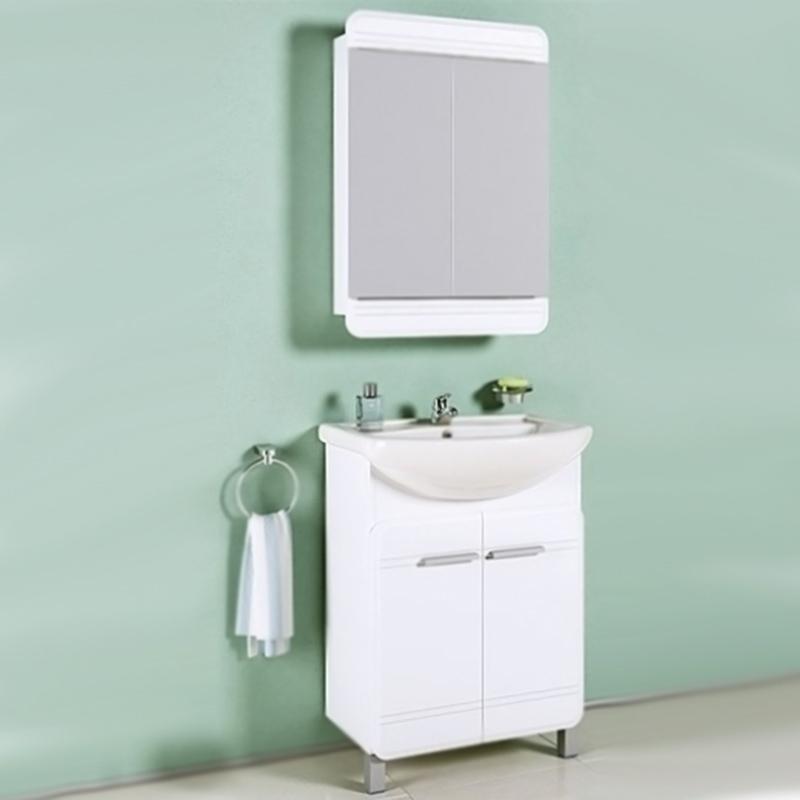 Корсика 65 БелаяМебель для ванной<br>Тумба под раковину Aqwella Корсика 65 Kor.01.06 белая, с глянцевой поверхностью, с двумя ножками, с двумя распашными дверцами. Для использования в ванных комнатах с повышенной влажностью. <br>Гармония, удобство и функциональность.<br>Материал фасада: крашеный МДФ.<br>Материал корпуса: ламинированная ДСП.<br>Экологически чистые материалы.<br>Сертификат качества: ISO 9001:2000.<br>Монтаж: комбинированный.<br>Крепление к стене: два навеса.<br>Дополнительные напольные опоры: две ножки.<br>Отделение: две распашные дверцы, одна полка из МДФ.<br>В комплекте поставки:<br>тумба.<br>