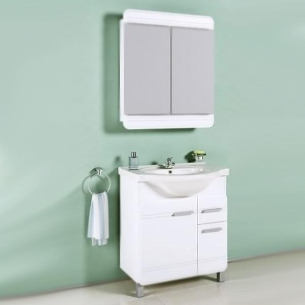 Корсика 75 БелаяМебель для ванной<br>Тумба под раковину Aqwella Корсика 75 Kor.01.07 белая, с глянцевой поверхностью, с двумя ножками, с двумя распашными дверцами и одним выдвижным ящиком. Для использования в ванных комнатах с повышенной влажностью. <br>Гармония, удобство и функциональность.<br>Материал фасада: крашеный МДФ.<br>Материал корпуса: ламинированная ДСП.<br>Экологически чистые материалы.<br>Сертификат качества: ISO 9001:2000.<br>Монтаж: комбинированный.<br>Крепление к стене: два навеса.<br>Дополнительные напольные опоры: две ножки.<br>Отделения:<br>левое: одна распашная дверца, одна полка из ДСП;<br>правое: одна распашная дверца, один выдвижной ящик.<br>В комплекте поставки:<br>тумба.<br>