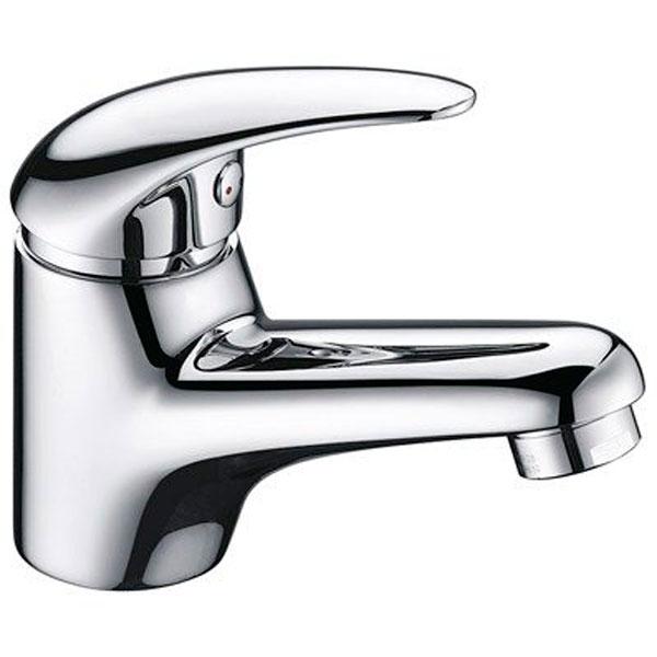 Isen 2603 ХромСмесители<br>Смеситель для раковины Wasser Kraft Isen 2603.<br>Однорычажный смеситель с фиксированным изливом и аэратором. Имеет долгий срок эксплуатации за счет качественных деталей, неприхотлив в уходе. Дополнит любую ванную комнату своей функциональностью и эргономичной формой конструкции.<br><br>Характеристики:<br>Длина излива: 12 см.<br>Изготовлен из высококачественной латуни с покрытием цвета хром, которое не теряет цвет со временем, устойчиво к царапинам и превосходно защищает от коррозии.<br>Керамический картридж 35 мм Sedal (Испания), что гарантирует долгий срок службы.<br>Встроенный силиконовый аэратор Neoperl Cascade (Германия) для равномерного распределения струи.<br>Гибкая подводка G 1/2 Sedal (Испания).<br><br>В комплекте поставки: смеситель, монтажный набор.<br>