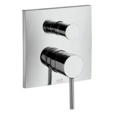 Starck X 10445000 ХромСмесители<br>Смеситель для ванны  Axor Starck X 10445000 однорычажный.Наружная часть. В комплекте поставки: розетка, рукоятка, гильза, переключатель, функциональный блок. Совместим с проточным водонагревателем.<br>