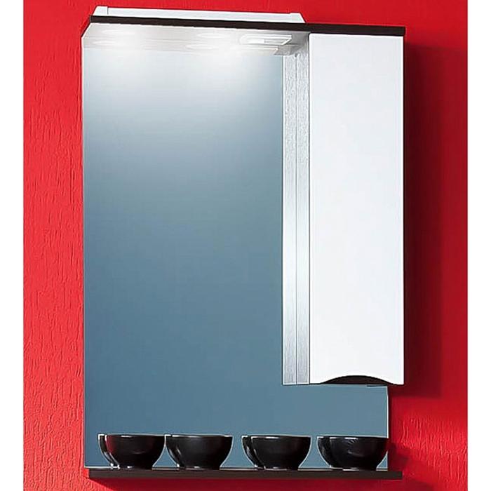 Токио 60 с подсветкой Венге/Белый глянец RМебель для ванной<br>Зеркальный шкаф Бриклаер Токио 60 R с подсветкой.<br>Закрытый шкафчик с правой стороны с полочками внутри. Изготовлен из МДФ/ДСП с ламинированным покрытием краской.<br>Открытая горизонтальная полка под зеркалом.<br>Зеркальное полотно с защитным покрытием из серебра и амальгамы.<br>Галогеновый светильник со сменными лампами мощностью 12V. Шнур длиной 50 см для подключения к электросети 220В.<br>В комплекте поставки: зеркальный шкаф.<br>