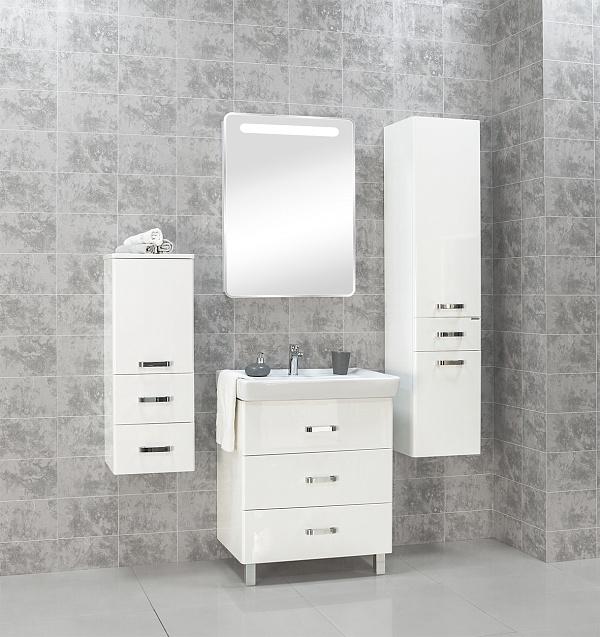 Америна 70 М темно-коричневая глянцеваяМебель для ванной<br>Тумба под раковину Акватон Америна 70 М 1A169001AM430 с тремя выдвижными ящиками и изящными глянцевыми опорами, что удобно в тех ванных комнатах, где стены недостаточно укреплены и есть сомнение, что они выдержат подвесную мебель. Направляющие нижнего крепежа обеспечивают жесткое и надежное крепление ящиков. Плавный ход ящиков со встроенными доводчиками. Дополнительно организовано нижнее подключение труб водоснабжения и канализации. Корпус выполнен из ДСП с ламинированным покрытием, обладает повышенной влагостойкостью и сопротивляемостью износу, не выделяет вредных испарений, хорошо выдерживает воздействие бытовых химических средств, за исключением абразивных материалов и едких веществ и жидкостей. Фасадные детали изготавливаются из МДФ с пятислойной покраской.<br>