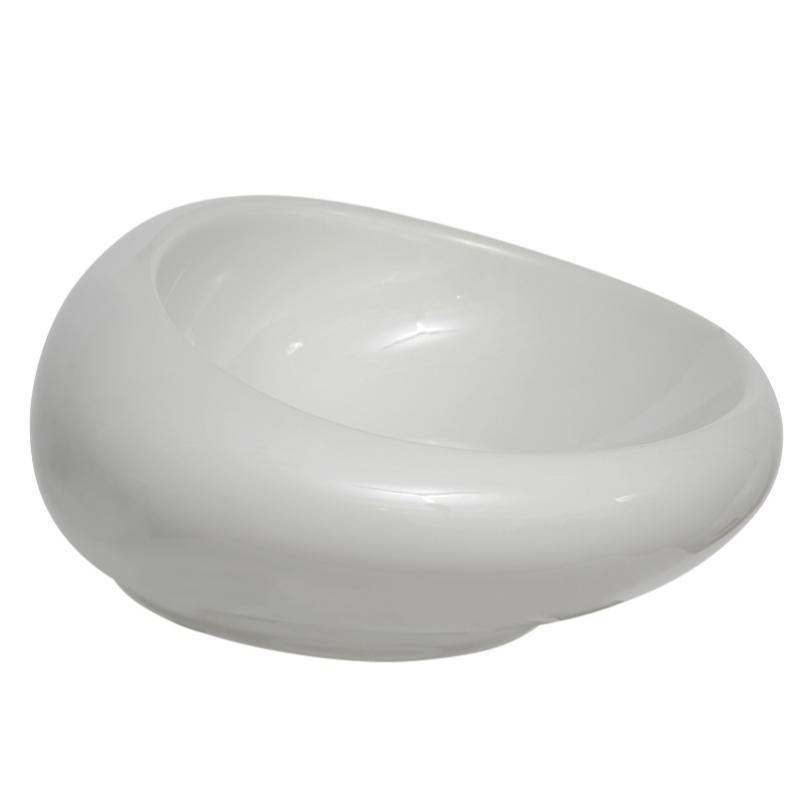 Istanbul 4280B403-0016 БелаяРаковины<br>Овальная раковина-чаша Vitra Istanbul Bowl 60 4280B403-0016 накладная.<br>Материал: керамика (Fine Fire Clay).<br>Глазированное покрытие. <br>Долгий срок службы и высокий уровень гигиены.<br>Качественная шлифовка поверхности.<br>Тест на отсутствие микротрещин: 100%.<br>Монтаж: крепление к столешнице.<br>Простота в уходе.<br><br>В комплекте поставки:<br>чаша умывальника.<br><br>