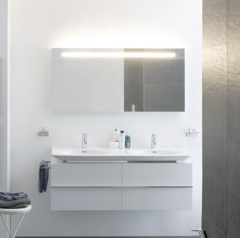 Palace New 4.0133.1.075.464.1 Белый глянецМебель для ванной<br>Тумба для двойной раковины Laufen Palace New 4.0133.1.075.464.1. 2 выдвижных ящика, цвет белый глянцевый.<br>