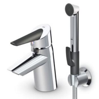 Optima  2712F ХромСмесители<br>Oras Optima 2712F смеситель для раковины с гигиеническим душем.  Однорычажный, с керамическим картриджем, корпус из хромированного пластика, рабочее давление 0.5 - 10 бар, расход воды при давлении 3 бара приблизительно 7.2 л/мин. В комплект входят гигиенический душ ORAS Bidetta , душевой шланг 1.50 м и настенный душевой кронштейн. Подключение - гибкая подводка 3/8x350 мм.<br>