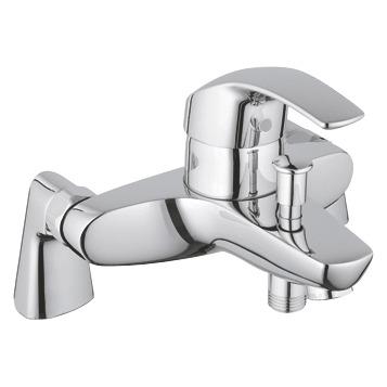 Eurosmart 33303001 ХромСмесители<br>Grohe Eurosmart 33303001 смеситель для ванны. Автоматический переключатель ванна/душ, <br>подключение для душевого шланга 1/2.<br>Керамический картридж 46 мм. <br>Аэратор, встроенные обратные клапаны, защита от обратного потока, ограничитель расхода воды до 2,5 л/мин. Монтаж на борт ванны.<br>