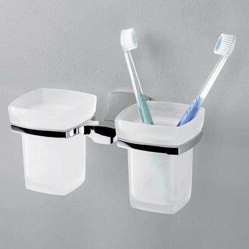 Wern K-2528D хром/матовое стеклоАксессуары для ванной<br>Подстаканник двойной стеклянный Wasser Kraft Wern K-7599. Хромоникелевое покрытие, устойчивое к потускнению, легко очищается и придает аксессуарам зеркальный блеск.<br>