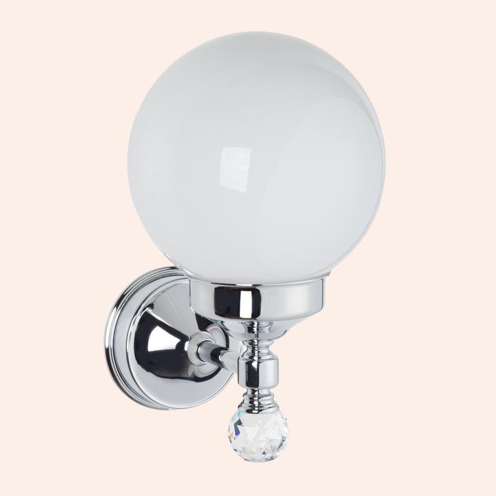 Crystal TWCR130br-sw БронзаМебель для ванной<br>Бра со стеклянным плафоном шар TW Crystal TWCR130br-sw. Стекло матовое, цвет держателя: бронза с кристаллом swarovski.<br>