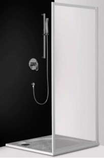 Classic Line CSB/900 профиль белый/стекло chinchillaДушевые ограждения<br>Боковая стенка Roltechnik Classic Line CSB/900. Может использоваться как самостоятельное изделие или дополнить третьей стенкой душевые уголки CR2 и CS2. Стенка безопасное стекло chinchilla (рисунок). Профиль white - белый крашеный алюминий.  Nanoglass 2-го поколения – это универсальная обработка керамики и поверхностей стекла, которая препятствует оседанию на них водного камня. Покрытие Nanoglass имеет высокую механическую стойкость, не подвержено истиранию.<br>