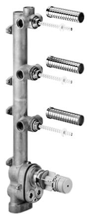 xTOOL 35.546.970.90 хромСмесители<br>Внутренняя часть для встраиваемого термостата Dornbracht xTOOL 35.546.970.90 с 3 вентилями, с интегрированной звукоизоляцией, с расстоянием между осями 120 мм. Комбинируется только с комплектами для завершающей сборки 36 416 SSS-FF или 36 310 SSS-FF. Цена указана за корпус для скрытого монтажа, 2 предохранителя от обратного потока, 2 присоединения (внутренняя резьба 3/4, холодное/горячее), 1 отвод (внутренняя резьба 1/2 для дополнительных вентилей), 2 отвода влево/вправо на выбор (внутренняя резьба 1/2), 1 отвод влево/вправо/вверх на выбор (внутренняя резьба 1/2), 3 гильзы с возможностью укорочения, 3 керамических картриджа (1/2, со шпинделем, с возможностью укорочения, термостатный картридж 3/4 с грязеулавливающим фильтром, блок из стиропора, 4 защитные манжеты от проникновения воды, 4 необработанных защитных кожуха. Все остальное приобретается дополнительно.<br>