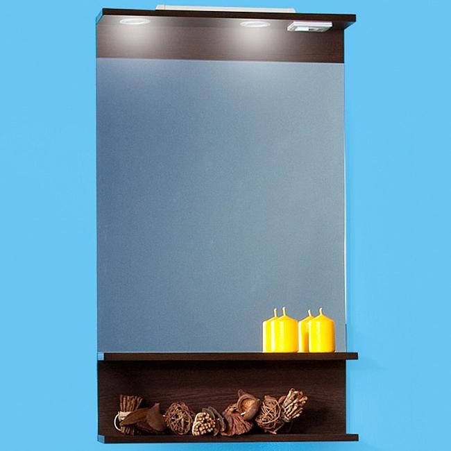 Чили/Куба 55 с подсветкой Светлая лиственницаМебель для ванной<br>Зеркало Бриклаер Чили/Куба 55 в цвете Светлая лиственница.<br>Изготовлено из влагостойкого ДСП, устойчиво к перепадам температур.<br>Горизонтальная полка под зеркалом.<br>Зеркальное полотно с защитным покрытием из серебра и амальгамы.<br>Два галогеновых светильника со сменными лампами 12V. <br>Выключатель с розеткой, шнур длиной 50 см для подключения к электросети 220В.<br>В комплекте поставки: зеркало.<br>