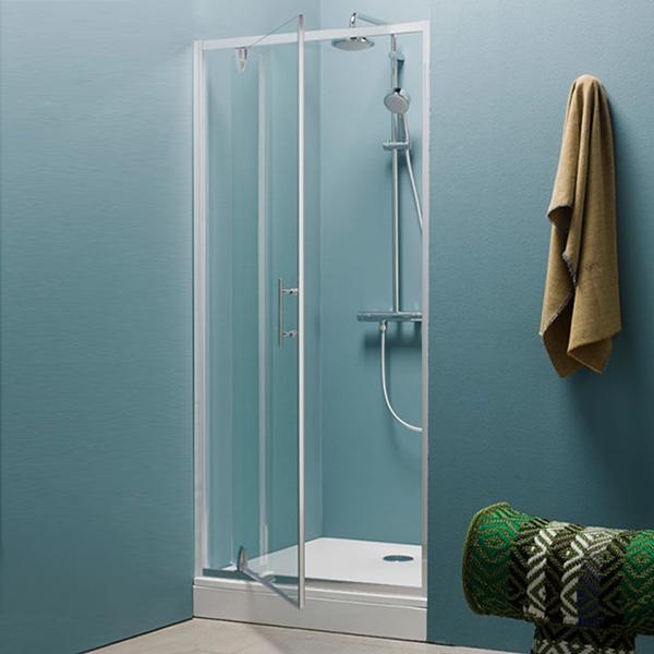 Q Line TVO/S 80 ХромДушевые ограждения<br>Душевая дверь в нишу Kolpa San Q Line TVO/S 80 с одной распашной дверью.<br><br>Профиль:<br>Материал: алюминий.<br>Цвет профиля: хром.<br>Покрытие Silver Brill: высококачественная гальваническая полировка.<br>Высокая герметичность.<br>Магнитный профиль.<br><br>Стекло:<br>Прозрачное закаленное стекло.<br>Толщина: 6 мм.<br><br>Непревзойденное качество, подтвержденное европейским сертификатом.<br>