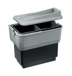 Singolo 512881 серыйКухонные мойки<br>Контейнер для мусора Blanco Singolo 512881 представляет собой полностью собранную систему из пластика с одним 14-литровым ведром с перегородкой, разделяющей его на равные части, включая установочный комплект. Контейнер для мусора легко вынимается, открывается с помощью двери шкафа. На крышке, закрывающей контейнер, могут храниться легкие кухонные принадлежности. Легко крепится.<br>