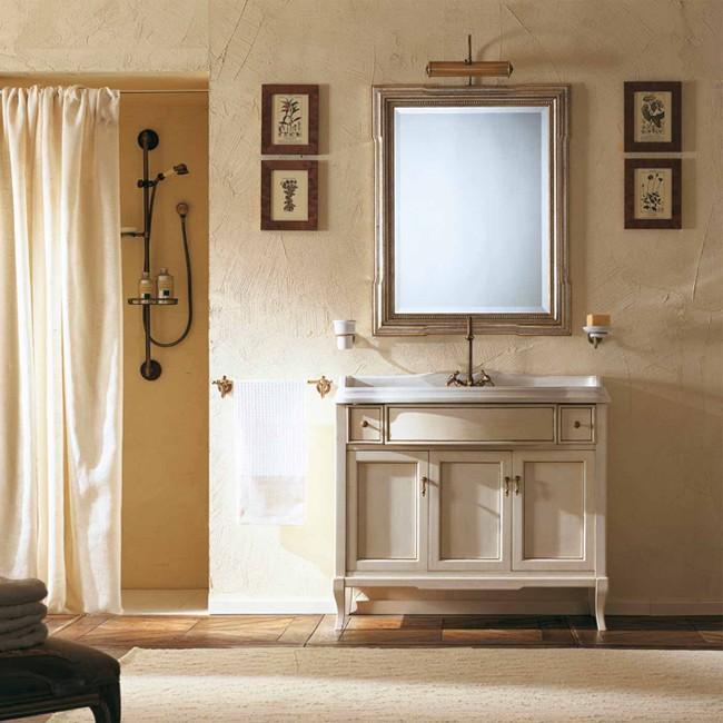 Victoria 105 Белый с патиной/бронзаМебель для ванной<br>Мебель для ванной Labor Legno, тумба Victoria HPL105PAT с тремя распашными дверцами и двумя ящичками, а также с раковиной HCLUX105 с одним отверстием под смеситель 105*56 см. Фасад белый с патиной, фурнитура бронза, раковина белый.<br>