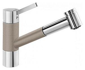 Tivo-S 517619 Хром/Серый бежСмесители<br>Blanko Tivo-S 517619. Однорычажный смеситель для кухни с выдвижным изливом, рычаг переключения расположен вверху над изливом. Шланг выдвижного излива в металлической оплетке. 2 режима работы излива: струя/душ. Сочетает хромированную поверхность и инновационный материал Silgranit, цвет хром/серый беж. Керамический картридж. Гибкая подводка стандарта 3/8. Допустимая толщина столешницы: 40 мм. Длина излива: 215 мм. Высота излива: 135 мм. Вращение излива на 120 градусов. Запатентованный рассекатель, уменьшающий отложения налета от воды. Стабилизирующая пластина для увеличения устойчивости смесителя.<br>