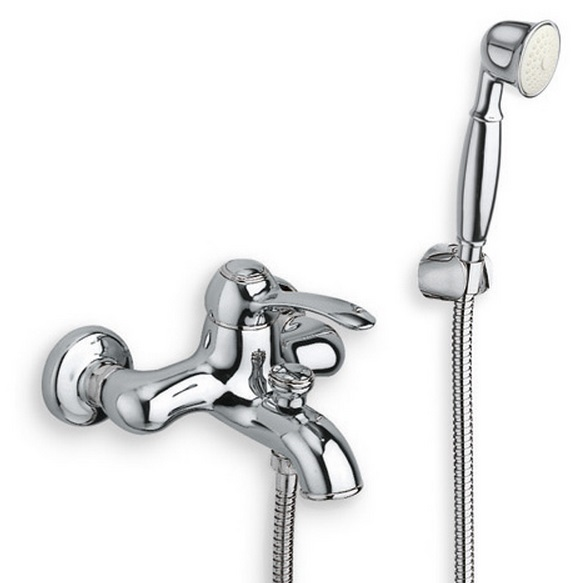 Art AR 100 ХромСмесители<br>Однорычажный смеситель Cristina Art AR 100 для ванны внешнего монтажа. В комплекте с ручным душем, душевым шлангом 120 см, настенным держателем душа с защитой от известковых отложений.<br>