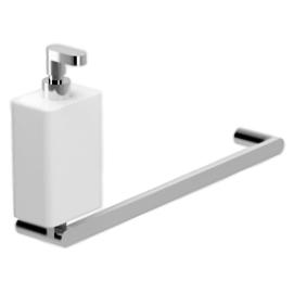 Living LV501501 Хром БелыйАксессуары для ванной<br>Настенный держатель для полотенец с дозатором жидкого мыла Webert Living LV501501015 в ванную комнату.<br><br>Покрытие: глянцевый хром.<br>Материал: высококачественная латунь/керамика.<br>Ширина держателя для полотенец: 32 см.<br>Расстояние между центрами креплений: 30 см.<br><br>