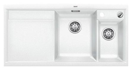 Axia II 6-S-F 517649 БелыйКухонные мойки<br>Кухонная мойка Blanco Axia II 6-S-F 517649 встраиваемая, прямоугольная, 2 чаши, 1 крыло. Монтаж вровень со столешницей. Для установки в шкаф шириной от 600 мм. Чаша большая (185 мм) по центру, небольшая (130 мм)  чаша с отдельным стоком для просушивания столовых приборов справа. В чашу устанавливается перфорированный коландер. 3 размеченных отверстия для смесителя или аксессуаров. Материал Silgranit PuraDur 2, система PuraDur 2 против грязи и налета на поверхности мойки, система против царапин на поверхности мойки. Отводная арматура с автоматическим клапаном 3 1/2 для большой чаши, отводная арматура с корзинчатым вентилем 1 1/2 для маленькой чаши. Профиль для вертикального хранения разделочной доски. Разделочная доска скользящая из безопасного стекла в комплекте.<br>