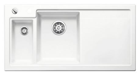 Axon II 6 S 516541 Белая глянцеваяКухонные мойки<br>Кухонная мойка Blanco Axon II 6-S 516541 врезная, прямоугольная, 2 чаши, 1 крыло. Монтаж вровень со столешницей. Чаша большая по центру, маленькая слева. В чашу устанавливается многофункциональный коландер из нержавеющей стали (225681). Глубина чаш 185/140 мм. Для установки в шкаф шириной от 600 мм. Отводная арматура с автоматическим клапаном 3 1/2 для большой чаши, отводная арматура с корзинчатым вентилем 1 1/2 для маленькой чаши. Материал керамика PuraPlus, система PuraPlus против грязи и налета на поверхности мойки, система против царапин на поверхности мойки. Профиль для вертикального хранения разделочной доски. Доска разделочная скользящая из серебристого, безопасного стекла 227700 в комплекте.<br>