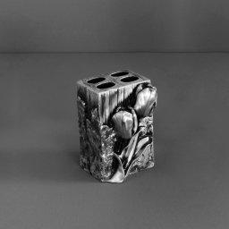 Tulip AM-B-0082B-T СереброАксессуары для ванной<br>Подставка для зубных щеток Art&amp;Max Tulip AM-B-0082B-T настольная. Цвет изделия - серебро.<br>