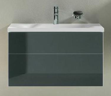 Royal Reflex 34060110000 АнтрацитМебель для ванной<br>Тумба под раковину Royal Reflex 34060110000 80 см. В современном стиле. Цвет антрацит, фурнитура хром. Фасад стеклянный изготавливается из закаленного стекла (ESG), ударопрочный и безопасный, не выцветает на свету. Оснащена креплениями, механизмом доводчика. Монтаж подвесной. Подходит для умывальника из мин. литья, арт. 34061/318001. Выдвижной фронтальный ящик с доводчиком. С пластиковым сифоном 1 1/4 х 32. Оборудование: 1 ящик для хранения мелочей из массива бука (550 x 120 x 80 мм); 1 пластиковый коврик, белый.<br>