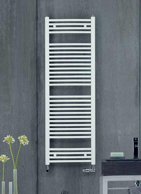 Aura PBZ-150-050 БелыйПолотенцесушители<br>Водяной полотенцесушитель Zehnder Аura PBZ-150-050 с прямыми горизонтальными трубками. Цвет - белый RAL 9016. Теплоотдача 631 Вт. Используется в закрытых системах отопления. Монтажный комплект в цвет полотенцесушителя.<br>