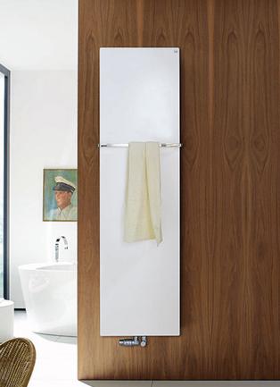 Fina Bar FIP-130-070 БелыйПолотенцесушители<br>Водяной полотенцесушитель Zehnder Fina Bar FIP-130-070 для закрытых систем отопления. Цвет - белый RAL 9016. Теплоотдача 718 Вт. Монтажный набор для настенного крепления.<br>