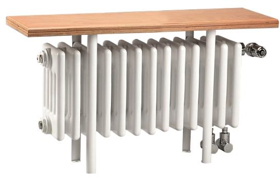 Charleston Relax CR 5026-13 5026-13Радиаторы отопления<br>Радиатор Zehnder Charleston Relax CR 5026-13 с деревянной скамейкой. Цвет - белый (RAL 9016). Мощность 543 Вт. Масса 18.6 кг. Емкость 10.4 л. В комплект поставки входят: радиатор, встроенный термовентиль, угловой адаптер для термостата  M 30 x 1.5 мм, сиденье из многослойной фанеры, шпонированная буком.<br>