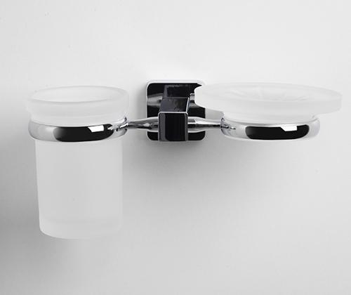 Lippe K-6526 ХромАксессуары для ванной<br>Wasser Kraft Lippe К-6526 держатель стакана и мыльницы. Цвет - хром. Для изготовления держателя используется металл. Хромоникелевое покрытие, устойчивое к потускнению, легко очищается и придает аксессуарам зеркальный блеск. Уплотнительные пластиковые кольца из металла и стекла предназначены для надежного соединения. матовое стекло.<br>