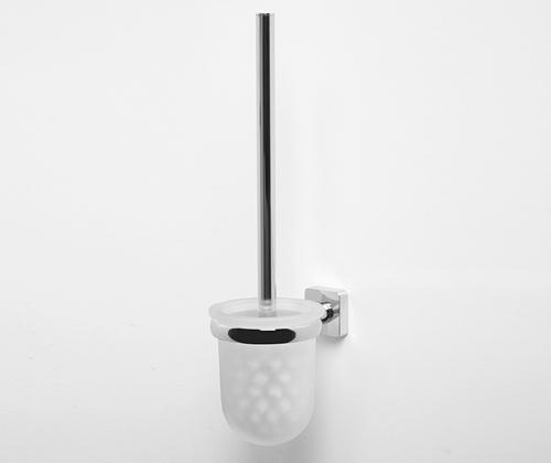 Lippe K-6527 ХромАксессуары для ванной<br>Wasser Kraft Lippe К-6527 щетка для унитаза подвесная. Цвет - хром. Для изготовления щетки используется металл. Хромоникелевое покрытие, устойчивое к потускнению, легко очищается и придает аксессуарам зеркальный блеск. Уплотнительные пластиковые кольца из металла и стекла предназначены для надежного соединения. Матовое стекло.<br>