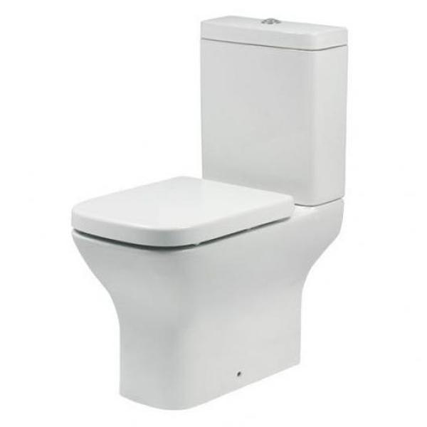 Silvia P trap BB0125WP без сиденьяУнитазы<br> Унитаз моноблок BelBagno Silvia P trap BB0125WP напольный в стиле минимализм выглядит эффектно и свежо, обеспечит простор и функциональность ванной комнаты.<br><br> Горизонтальный выпуск P trap.<br>Слив по всему периметру чаши унитаза.<br>Стойкость цвета на долгие годы.<br>Гладкая поверхность.<br> В комплекте поставки чаша унитаза.<br>