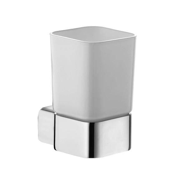 E2 5697505 Хром/БелыйАксессуары для ванной<br>Стакан Kludi E2 5697505. Монтаж настенный. Материал стакана выдувное опаловое стекло, белое, матовое. Материал держателя латунь.<br>