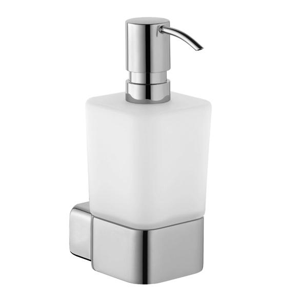 E2 5697605 Хром/БелыйАксессуары для ванной<br>Дозатор для жидкого мыла Kludi E2 5697605. Монтаж настенный. Материал стакана выдувное опаловое стекло, белое, матовое. Материал держателя латунь.<br>
