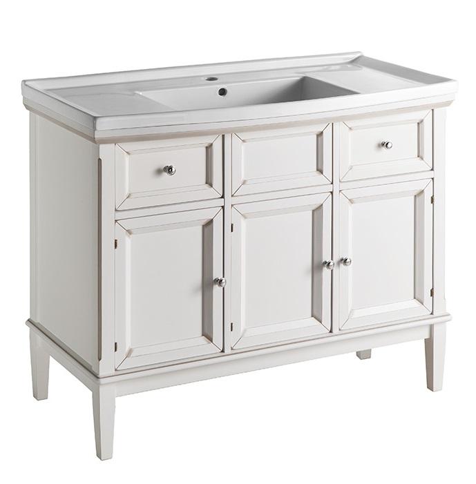 Джардин 100 ONTANO (B 004)Мебель для ванной<br>Мебель для ванной Каприго Джардин 100. В стоимость входит тумба напольная под умывальник. С выдвижными ящиками и тремя распашными дверцами. Размеры – 919x825x490 мм. Отделка – ONTANO. Варианты мебельных ручек – В 08, В 15, В 13. Дополнительно Вы можете приобрести раковину и зеркало. Размер тумбы с раковиной 1010x876x495 мм.<br>