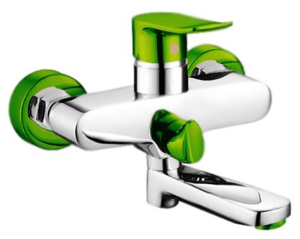P3032-11 хром/зеленыйСмесители<br>Смеситель для ванны Potato P3032-11 с душевым гарнитуром, с керамическим картриджем 35 мм. Цена указана за смеситель, шланг, душевую лейку, настенный держатель для лейки и комплект крепления. Все остальное приобретается дополнительно.<br>