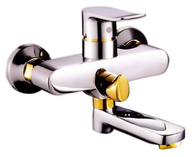 P3032-4 хром/золотоСмесители<br>Смеситель дл ванны Potato P3032-4 с душевым гарнитуром, с керамическим картриджем 35 мм. Цена указана за смеситель, шланг, душеву лейку, настенный держатель дл лейки и комплект креплени. Все остальное приобретаетс дополнительно.<br>