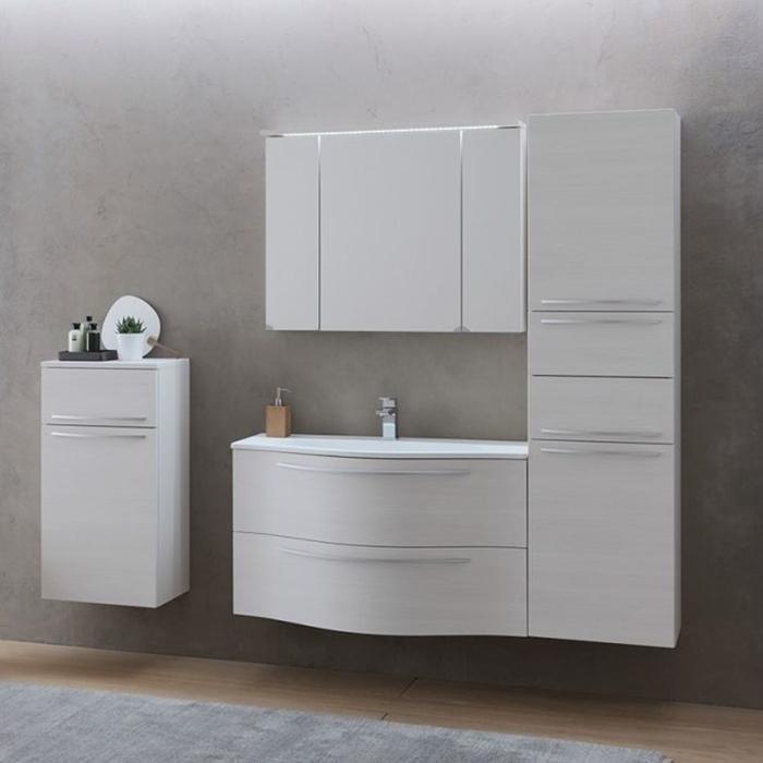 Nayra 100 БелаяМебель для ванной<br>Тумба с раковиной Kolpa San Nayra 100 подвесная.<br>Элегантная и лаконичная модель с плавными линиями. Прекрасно впишется в современный интерьер ванной комнаты. <br>Тумба:<br>Габариты: 100x36x60 см. <br>Каркас из влагостойкого МДФ с ламинированным покрытием. <br>Фасад из МДФ с покрытием мембранной пленкой. <br>Гладкая матовая поверхность. <br>Влагостойкие клеи и угловые ленты. <br>Два выдвижных ящика. <br>Ручки цвета матовый хром.<br>Мягкое и бесшумное открытие и закрытие ящиков благодаря доводчикам европейского качества. <br>Цвет: белый.<br>Раковина:<br>Материал: литьевой мрамор. <br>С одним отверстием под смеситель.<br>Цвет: белый.<br>В комплекте поставки: тумба, раковина.<br>