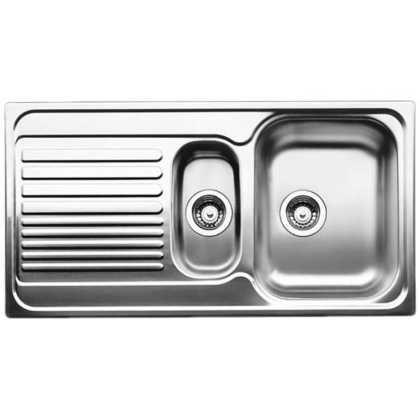 Tipo 6 S Матовая стальКухонные мойки<br>Оборачиваемая кухонная мойка Blanco Tipo 6 S 511929   из нержавеющей стали, с объемной большой чашей и удобным крылом с рельефным рисунком, с вместительной дополнительной чашей.<br>Конструкция:<br><br>Универсальная ориентация: крыло слева или справа.<br>Материал: высококачественная нержавеющая сталь.<br>Поверхность: матовая полировка.<br>Устойчивость к коррозии, высоким температурам и кислотам.<br>Стойкость образованию пятен и выцветанию.<br>Легкость в очистке, безопасность и гигиеничность.<br>Монтаж: встраиваемый сверху или в один уровень под столешницу.<br>Совет по ширине тумбы под мойку: 60 см.<br>Рекомендации по монтажу: учитывать ширину пристенного канта.<br><br>В комплекте поставки:<br><br>чаша мойки;<br>отводная арматура с двумя корзинчатыми вентилями 3 1/2.<br><br>