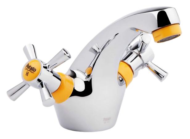 P1054-10 хром/желтыйСмесители<br>Смеситель для раковины Potato P1054-10 двухвентильный. Керамические кран-буксы G1/2, поворот 180 градусов. Гибкая подводка 400 мм, G1/2. Цена указана за смеситель, гибкую подводку и комплект крепления. Все остальное приобретается дополнительно.<br>