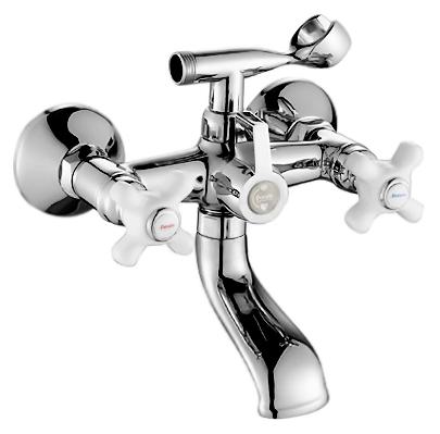 P3063 хром/белыйСмесители<br>Смеситель для ванны Potato P3063 с душевым гарнитуром. Керамические ручки. Латунные с керамическими пластинами кран-буксы, поворот 180 градусов. Длина шланга 1500 мм. Поворотный переключатель ванна/душ.<br>