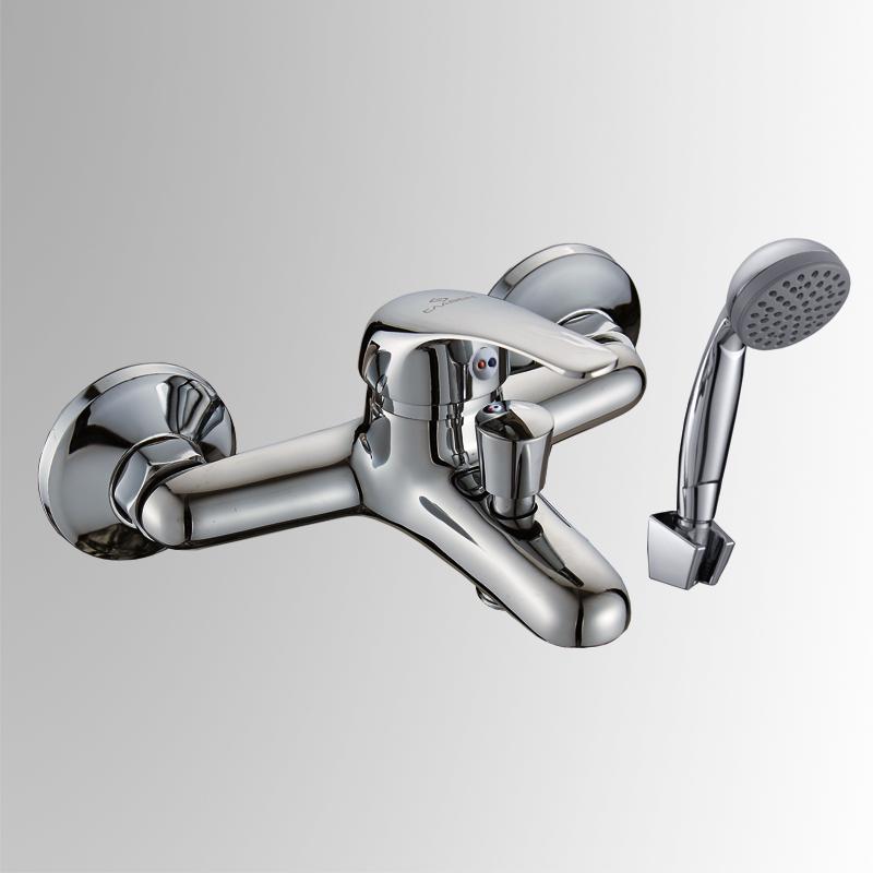 СЛ-ОД-В30 ХромСмесители<br>Смеситель для ванны с коротким литым изливом, переключатель кнопочный, комплект, однорычажный. Пластиковый аэратор с монетарным креплением. Картридж с керамическими дисками &amp;#216; 35 мм. Шланг душевой , L=1500 мм.<br>