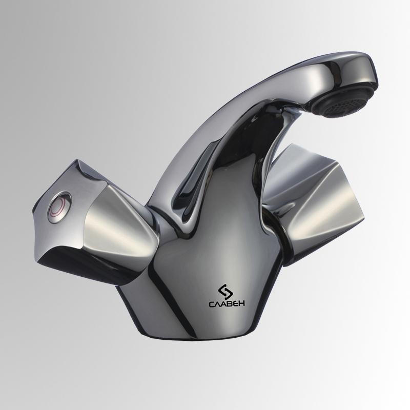 СЛ-ДВ-Е10 ХромСмесители<br>Смеситель для умывальника с литым изливом, двуручный. Гибкая подводка (смесительная пара); L= 350 мм. Пластиковый аэратор с монетарным креплением. Латунные вентильные головки с керамическими дисками со встроенной системой нивелирования шумовых эффектов, угол поворота 180 градусов.<br>