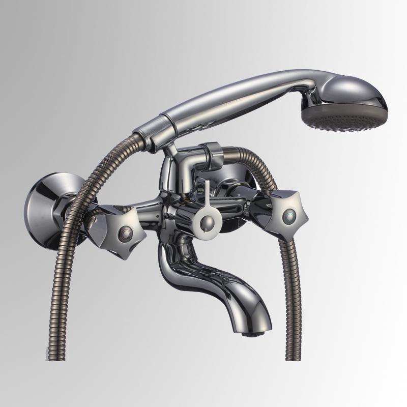 СЛ-ДВ-Е30 ХромСмесители<br>Смеситель для ванны с коротким изливом, переключатель флажковый, комплект, двуручный. Шланг душевой, L=1500 мм. Лейка душевая однофункциональная. Настенное крепление для душевой лейки. Пластиковый аэратор с монетарным креплением.<br>