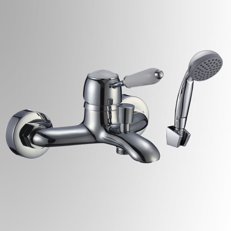 СЛ-ОД-М30 ХромСмесители<br>Смеситель Славен серии коттедж для ванны с коротким литым изливом, переключатель кнопочный, с аксессуарами, хром. Шланг душевой,  L=1500 мм. Лейка душевая однофункциональная.<br>