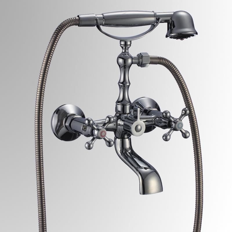 СЛ-ДВ-А30 ХромСмесители<br>Смеситель Коттедж для ванны с коротким изливом, переключатель флажковый, с аксессуарами, хром. Шланг душевой , L=1500 мм. Лейка душевая однофункциональная. Кнопочный переключатель (дивертор) с функцией фиксации положения.<br>