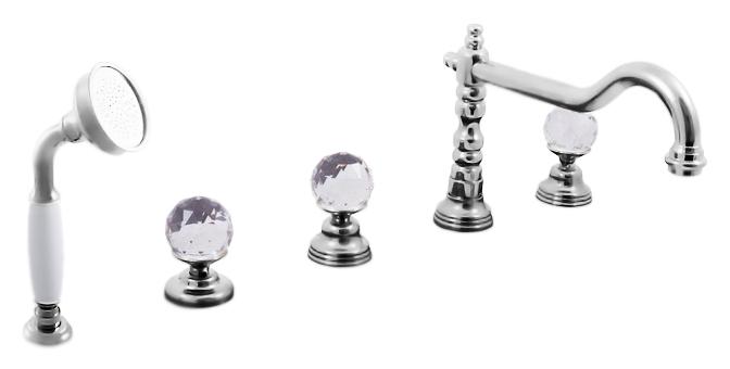 Brilliance164.5P хромСмесители<br>Смеситель на борт ванны Rav Slezak Brilliance164.5P монолитный, с душевым гарнитуром, изготовлен из высококачественной латуни, которая исключает какую-либо коррозию. Латунные рукоятки c граненым хрусталем от чешского производителя Preciosa Bohemie Glass. Качественные керамические кран буксы, гарантируют долговечность и мягкий поток воды, производство Германия. Керамический переключатель душ/излив. Шланг с пружиной, которая обеспечивает его лёгкое возвращение в держатель. Длина шланга 2000 мм. Латунная душевая лейка с керамической ручкой. В комплекте смеситель, шланг, душевая лейка и комплект крепления.<br>