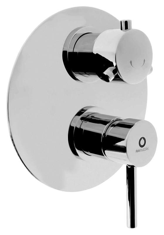 Seina SE986K хромСмесители<br>Встраиваемый смеситель для ванны Rav Slezak Seina SE986K, однорычажный, изготовлен из высококачественной латуни, которая исключает какую-либо коррозию. Металлическая рукоятка. Декоративная латунная крышка диаметром 180 мм. Качественный керамический картридж 35 мм Kerox, производство Венгрия, гарантирует долговечность и мягкий поток воды. Керамический переключатель душ/излив, работающий и при низком давлении воды. Подвод воды G1/2. В комплекте внешняя и внутренняя части смесителя и комплект крепления.<br>