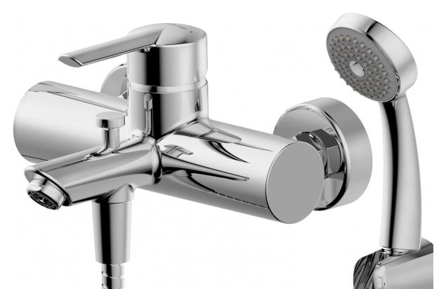 Varuna F6134187CP-B ХромСмесители<br>Смеситель для ванны Bravat Varuna F6134187CP-B. Корпус латунь. Ручка цинк. Керамический картридж 40 мм. Кнопочный переключатель. Аэратор Neoperl. 1-функциональная душевая лейка из ABS-пластика. Шланг 1500 мм PVC. Поток воды: излив 20 л/мин; душ 12 л/мин при давлении 0.3 MPa.<br>