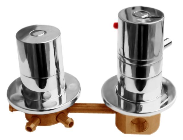 4 X482T хромСмесители<br>Встраиваемый термостат для ванны Rav Slezak X482T, однорычажный, с переключателем на 4 позиции. Качественный термостатический картридж 40 мм. Подвод воды G1/2. В комплекте внешняя и внутренняя части смесителя и комплект крепления.<br>